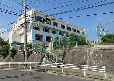 川西市立緑台小学校の画像1