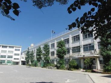 中野区立美鳩小学校の画像1