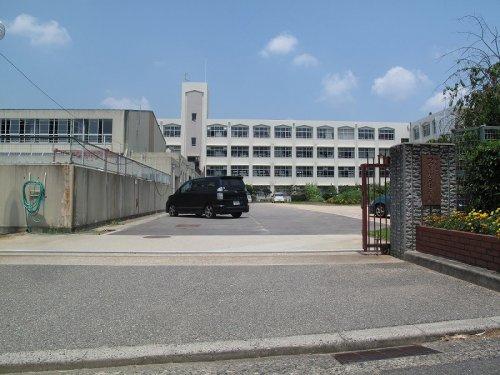 神戸市立つつじが丘小学校の画像