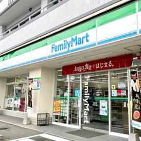 ファミリーマート 福岡星の原店の画像1