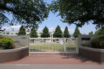中野区立武蔵台小学校の画像1