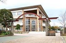 井芹中学校