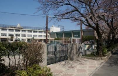中野区立新井小学校の画像1