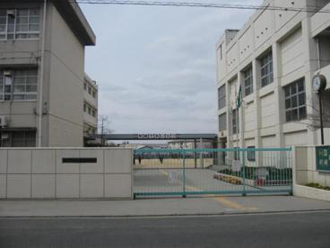 寝屋川市立第二中学校の画像1