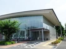 あきる野市東部図書館エル