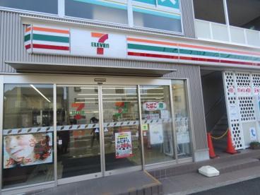 セブンイレブン本川越駅西口店の画像1