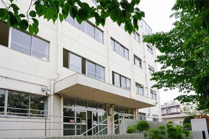 世田谷区立駒沢中学校の画像1
