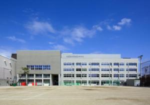 北区立赤羽岩淵中学校の画像1