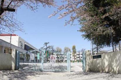 世田谷区立祖師谷小学校の画像1