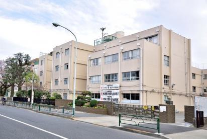 世田谷区立千歳中学校の画像1