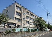 東大阪市加納小学校の画像1