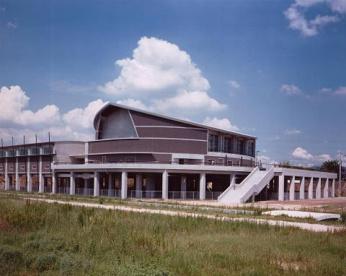 橿原市立 曽我川緑地体育館の画像1