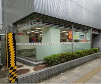 セブンイレブン 江坂駅南店の画像1