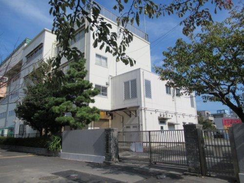 横浜市立汐入小学校の画像