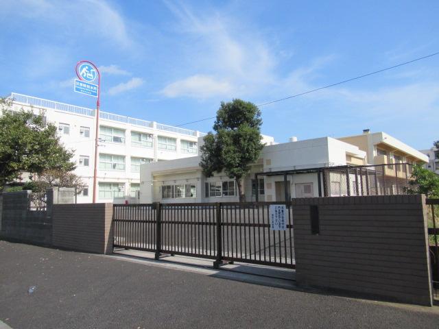 横浜市立潮田小学校の画像