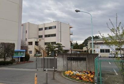 坂戸市立坂戸中学校の画像1