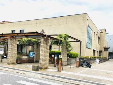 茅ヶ崎市立図書館の画像1