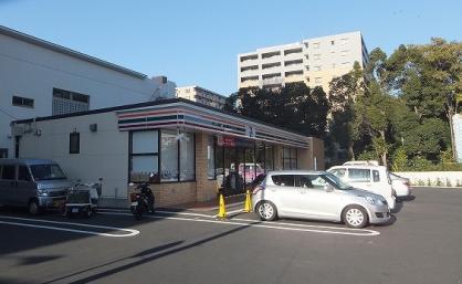 セブンイレブン 横浜生麦4丁目店の画像1
