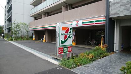 セブンイレブン 川崎戸手町店の画像1