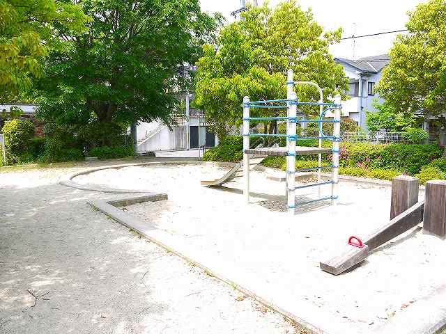 あやめ池南七丁目街区公園の画像