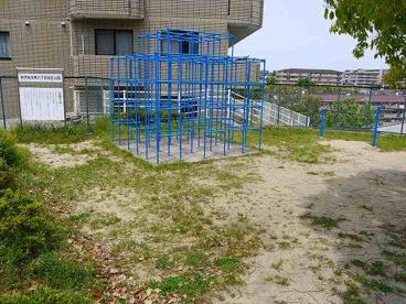 あやめ池南八丁目街区公園の画像2
