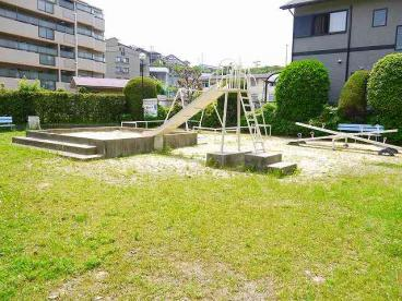 日興あやめ池スカイマンション公園の画像1