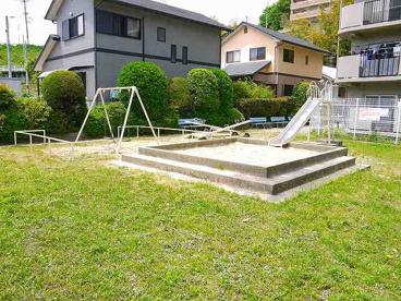 日興あやめ池スカイマンション公園の画像2
