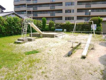日興あやめ池スカイマンション公園の画像3