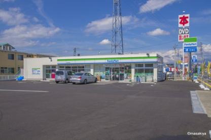 ファミリーマート 長野大豆島店の画像1