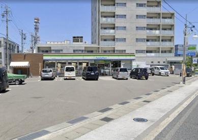 ファミリーマート 長野早苗町店の画像1