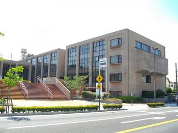 四街道市立図書館の画像1