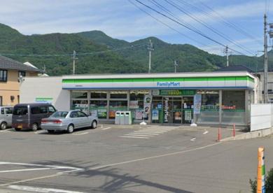 ファミリーマート 長野伊勢宮店の画像1