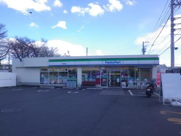 ファミリーマート 拝島駅北店の画像1