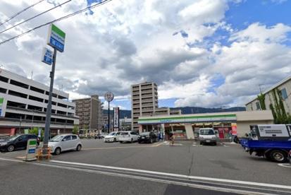 ファミリーマート 御影塚町店の画像1