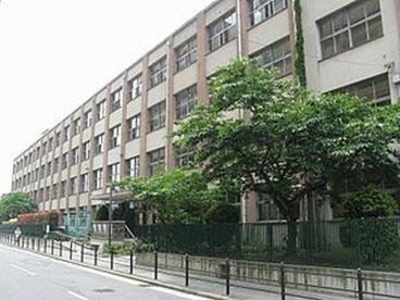 加賀屋東小学校の画像1