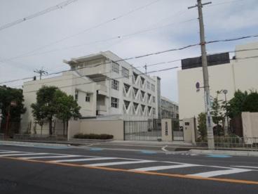 東大阪市立布施中学校の画像1