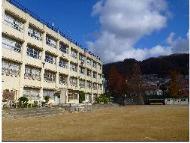 東大阪市立繩手中学校の画像1