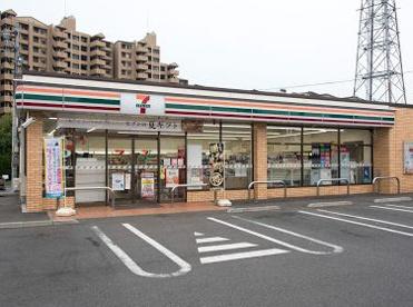 セブンイレブン国立学園道り店の画像1