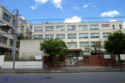 新東三国小学校の画像1