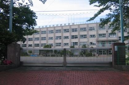 足立区立竹の塚中学校の画像1