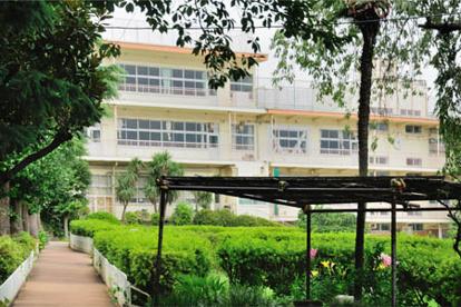 大田区立東調布中学校の画像1