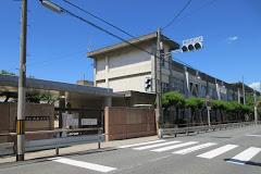東大阪市立成和小学校の画像1