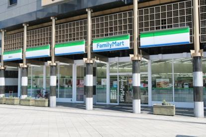 ファミリーマート 京都駅前店の画像1