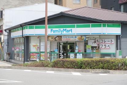 ファミリーマート 千本三条店の画像1