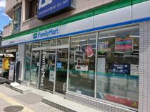 ファミリーマート 横浜吉野町駅前店