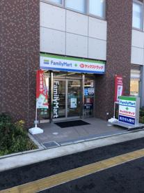ファミリーマート+ヤックスドラッグ浦安東野店の画像1