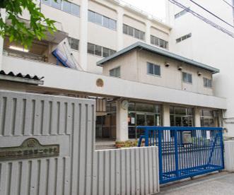 板橋区立高島第二中学校の画像1