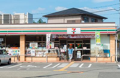 セブンイレブン 堺東山店の画像1