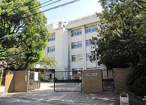 尼崎市立塚口中学校の画像1