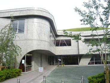 多摩市立唐木田図書館の画像1